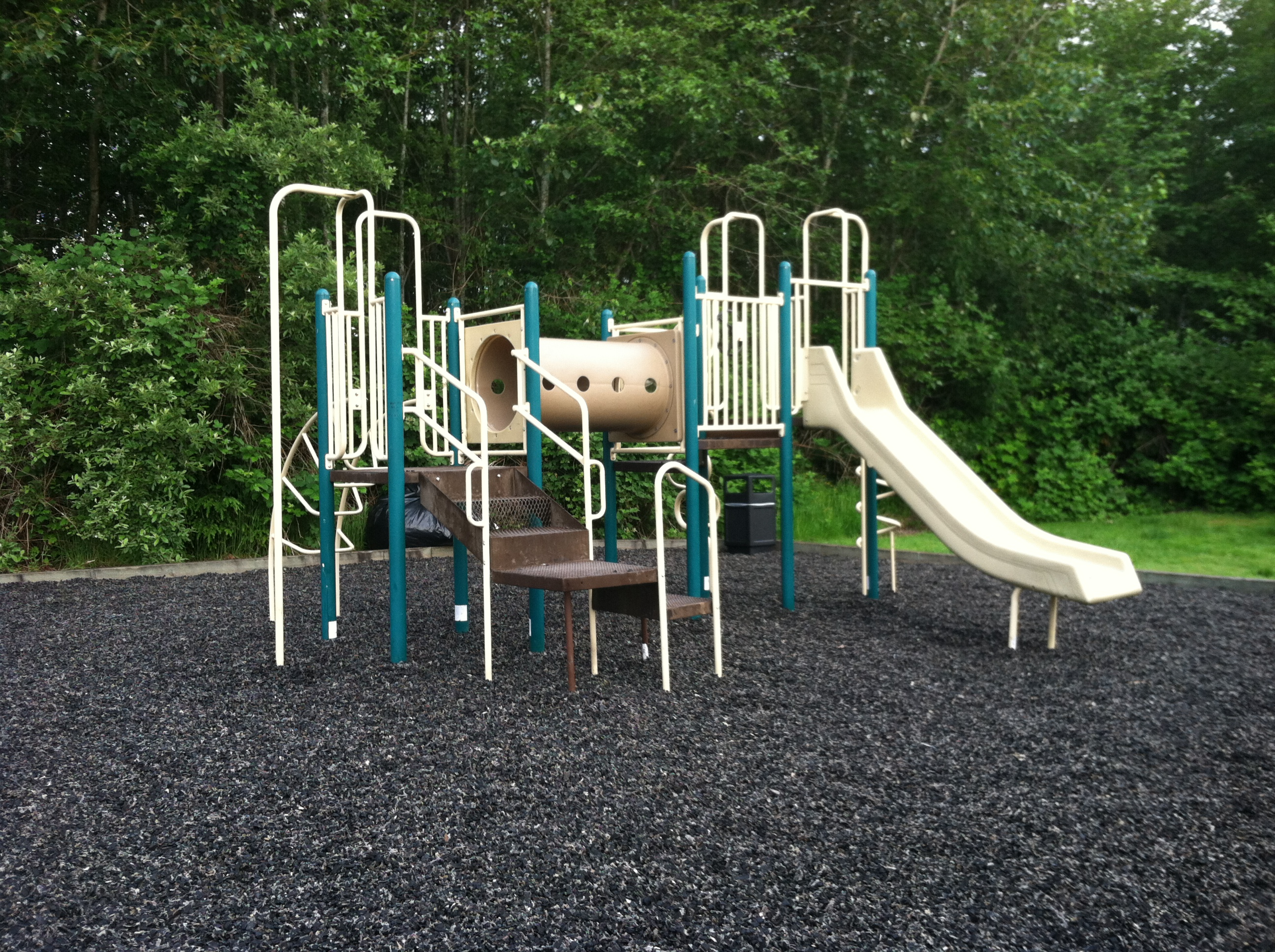 What Are Benefits of Rubber Mulch?